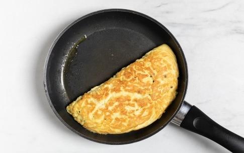 Preparazione Omelette farcita - Fase 4