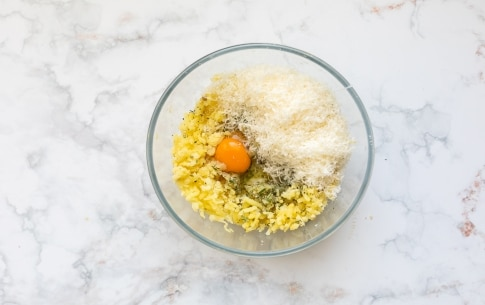 Preparazione Involtini di patate, speck e scamorza - Fase 1