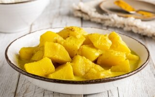 Patate al curry e latte di cocco