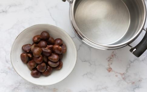 Preparazione Bocconcini di castagne, speck e salvia - Fase 1
