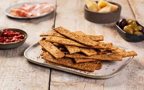 Preparazione Crackers al sesamo con lievito madre - Fase 3