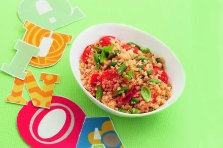 Insalata di quinoa con pomodorini e fagiolini al basilico