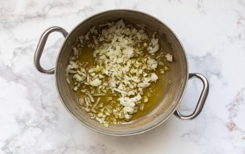 Preparazione Pasta e piselli alla napoletana - Fase 1