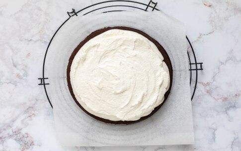 Preparazione Torta Kinder Delice - Fase 4