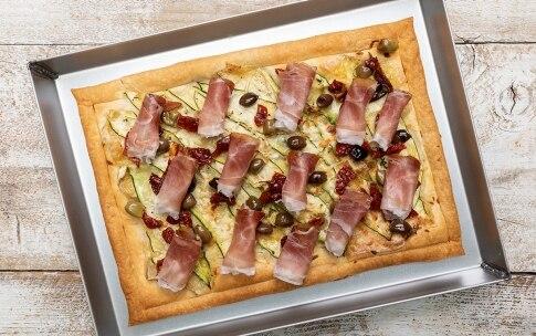 Preparazione Torta salata gustosa allo Speck Alto Adige IGP - Fase 5