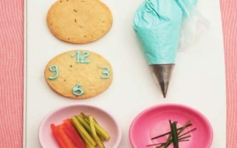 Preparazione Biscottoni orologio al timo e parmigiano - Fase 3