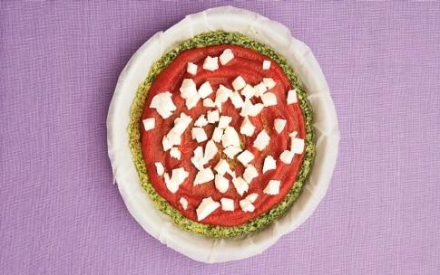 Preparazione Frittapizza margherita agli spinaci - Fase 3