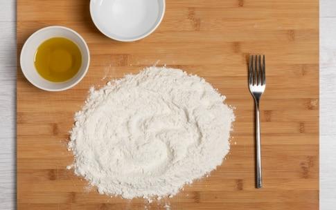 Preparazione Pasta brisée senza burro - Fase 1