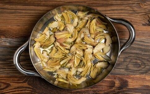 Preparazione Carciofi e patate in padella - Fase 2