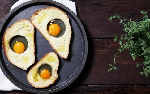 Preparazione Crostoni buonissimi con il pane raffermo - Fase 2