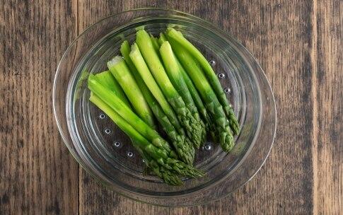 Preparazione Uovo d'oca con asparagi - Fase 2