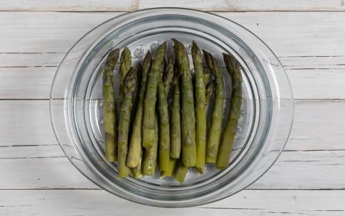 Preparazione Calzoni di kamut con asparagi e uovo - Fase 2