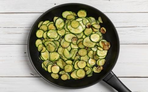 Preparazione Pasta tonno e zucchine - Fase 1