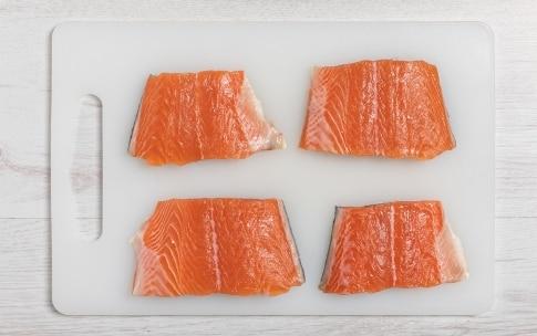 Preparazione Salmone in padella - Fase 1