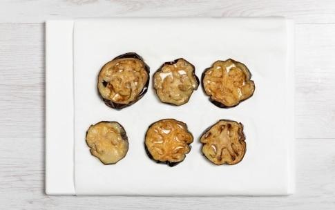 Preparazione Focaccia alla parmigiana di melanzane - Fase 2