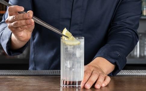 Preparazione Gin Fizz - Fase 5