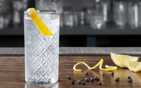 Preparazione Gin Tonic - Fase 3