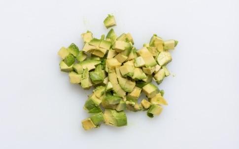 Preparazione Tartare di salmone e avocado - Fase 4