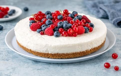 Preparazione Torta fredda allo yogurt - Fase 4