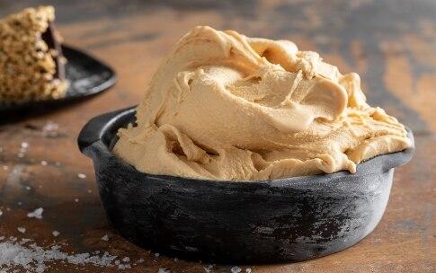 Preparazione Gelato al caramello salato - Fase 4