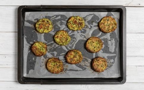 Preparazione Polpette di zucchine al forno - Fase 3