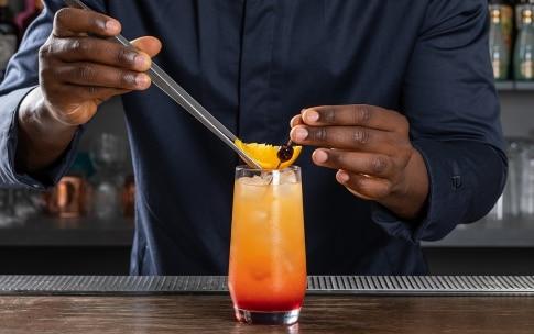 Preparazione Tequila sunrise - Fase 4