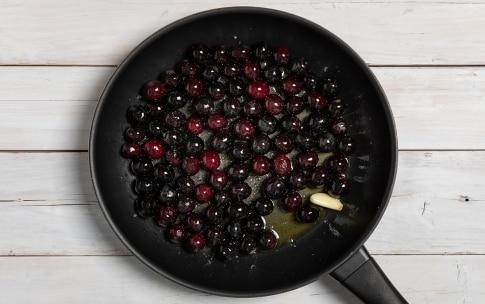 Preparazione Olive dolci fritte alla pugliese - Fase 1