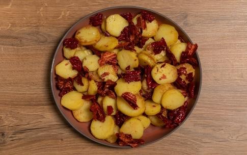 Preparazione Patate e peperoni cruschi - Fase 3